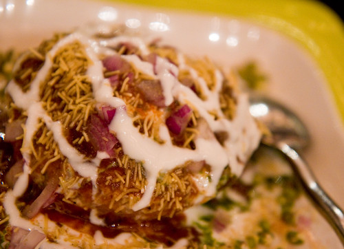 Kachori chaat, Bhojan
