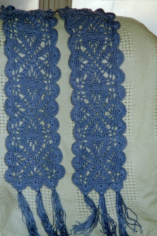 Free Crochet Pattern 80771AD Irish Lace Scarf : Lion Brand Yarn