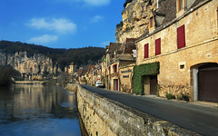 La Roque-Gageac and the Dordogne River (David Giral   davidgiralphoto.com) Tags: david la nikon searchthebest dordogne roque d200 perigord giral nikond200 18200mmf3556gvr gageac roquegageac plusbeauxvillagesdefrance