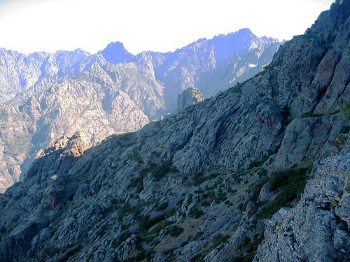 Depuis la plate-forme versant Scaffone : vue générale du versant vers le Pinzu Scaffone