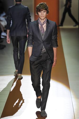SS11_Milan_Gucci0002_Anthon Wellsjo(VOGUEcom)