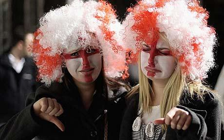 England Fans Boo After 0-0 Draw with Algeria