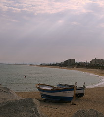 At the beach... (epicture's) Tags: beach boats boat kiss2 vilassar kiss3 kiss1 thecontinuun