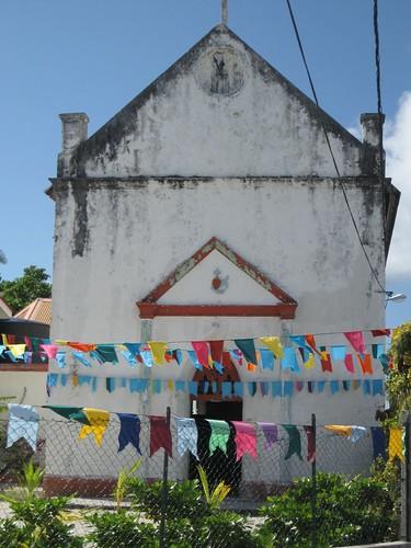 Makemo church