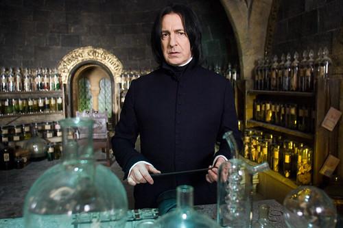 ALAN RICKMAN es Severus Snape