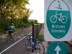 The Greenway (Micah Taylor) Tags: minnesota bicycle minneapolis midtown photoblog greenway tc061