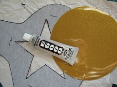 Glue down the circle for topstitching