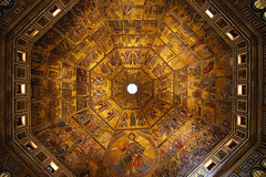Baptistry golden dome (Thomas Roland) Tags: italien italy church st architecture john florence san italia cathedral wide wideangle il tuscany di firenze duomo toscana romanesque battistero giovanni baptistery arkitektur kirke domkirke katedral vidvinkel romansk