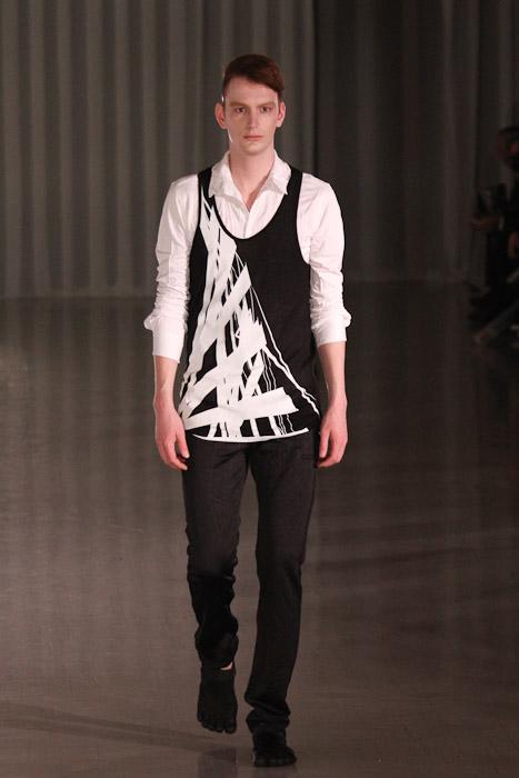 Vincent Hoogland3049_SS11_Tokyo_MOLFIC(Fashionsnap)