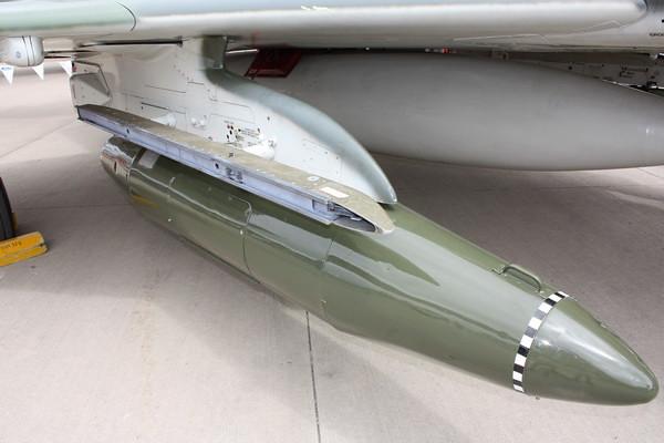 EAA10_F-4E_69