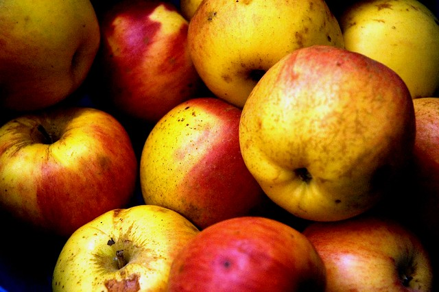undecided apples