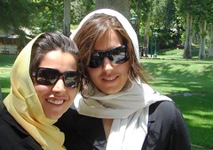 sunglasses sisters persian iran persia saber gathering iranian ایران hamed agents thematrix farsi ايران حامد fatemeh فارسی ايراني faezeh فارسي ايرانيان حامدصابر صابر ایرانیان پرشيا پرشیا upcoming:event=214803 flickr:user=fatemeha flickr:user=paeezeh