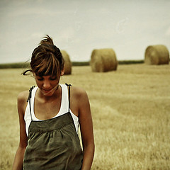 (deesece) Tags: portrait girl chica retrato wheat dsc trigo castilla fiveflickrfavs deesece photofmflickr goldenvisions