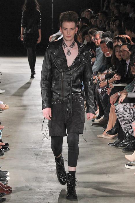 Vincent Hoogland3040_SS11_Tokyo_GUT'S DYNAMITE CABARETS(Fashionsnap)