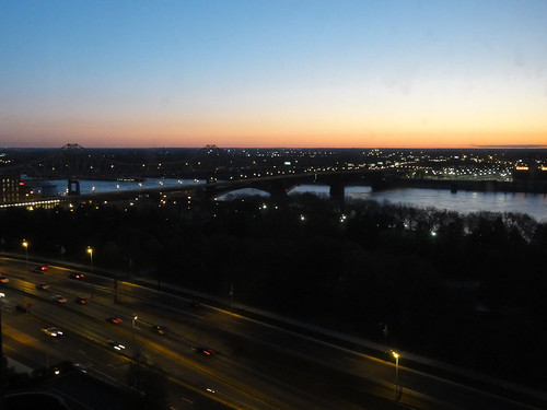 Dawn over Mississippi River