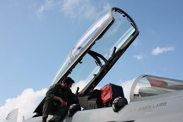 EAA10_EA-18G_07