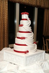 955813999 c0fe5781a7 m Baú de ideias: Casamento vermelho e branco