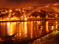 (tip-top-tinolfa) Tags: night river gold porto