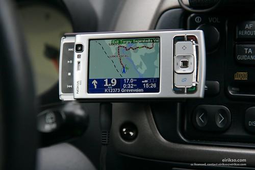 Nokia N95 running TomTom Navigator