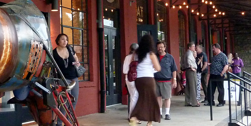 P1010997-2010-05-14-Castleberry-Stroll-Artists-Peters-Street-Back-Porch