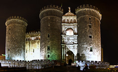 Castel Nuovo, Napoli (I) (Panoramyx) Tags: italien italy panorama italia campania panoramica italie italië itàlia maschioangioino 72oreanapoli 72hoursinnaples 72horasennápoles 72horesanàpols 72heuresànaples 72stundeinneapel 72uurinnapels