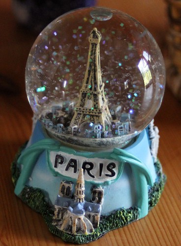Paris Snowglobe