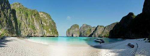 Koh Phi Phi Leh, Thailand - Maya Bay by GlobeTrotter 2000