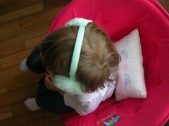 Inês e os protege orelhas