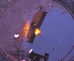 (gzkbs) Tags: light lamp turkey garbage trkiye istanbul lamba sokak yansma eminn k sirkeci lambas izmarit bufok p