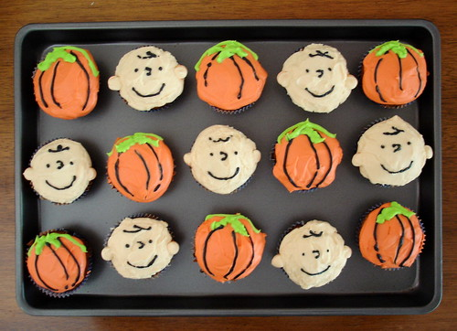 It's the Great Pumpkin, Charlie Brown cupcakes