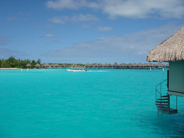 Returning to Le Meridien hotel (Mataorio Bay - Bora Bora)