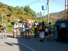 Le groupe des web-trekkeurs sur la route de Barghjana juste avant le départ