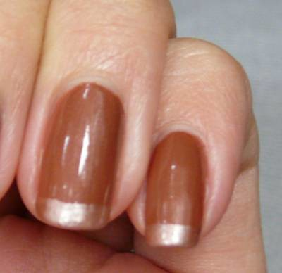 Nail design of Brown and Bronze Polish