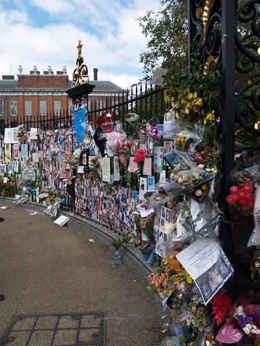 Princess Diana tributes outside Kensington Palace