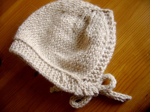 small things bonnet.