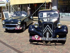 1955 Simca Aronde 90G and 1957 Citron 11 (Davydutchy) Tags: holland netherlands june classiccar tractionavant convertible citron 11 oldtimer veteran friesland 2010 simca cabriolet aronde joure frysln facel vroem vroem2010