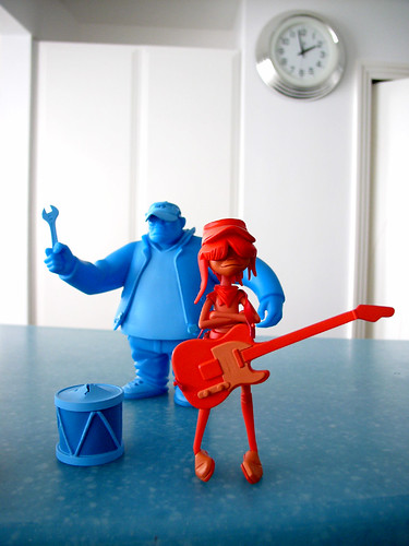 2 gorillaz in the kitchen