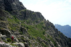 L'endroit du demi-tour (400 m avant la vire) : vue vers la plate-forme où démarre la vire
