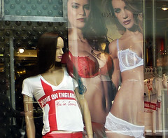 Getting ready for the Worldcup V (sabinebrenda) Tags: red england white girl model breast bra models weltmeisterschaft schaufenster shirts worldcup bh shopdisplay trikot comeonengland