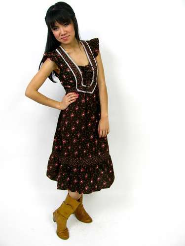 VINTAGE 1970's PRARIE DRESS