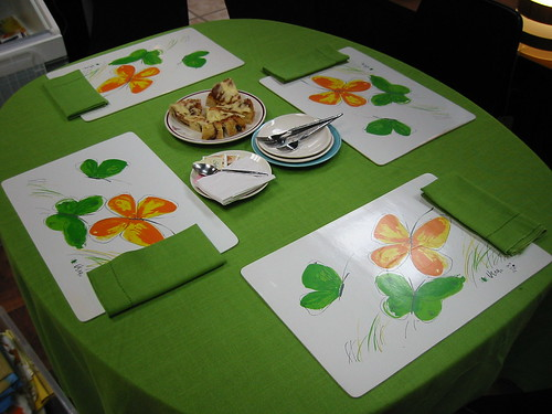 Vera table linens and placemats