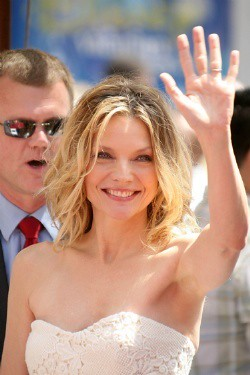 michelle pfeiffer hairstyle