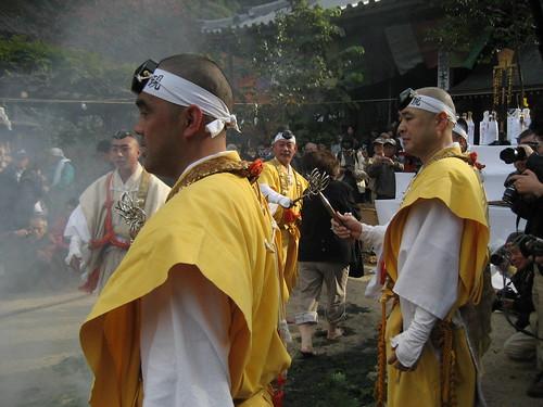 宮島 大聖院で 火渡り式8
