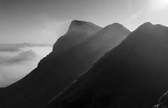Chrome Hill ridge (l4ts) Tags: autumn mist landscape blackwhite derbyshire peakdistrict limestone darkpeak temperatureinversion hollinsclough chromehill parkhousehill britnatparks