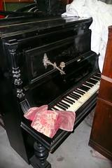 P1120090 (Luigi Sani) Tags: piano musica antiquariato antico noce epoca antichit pianoforte mobili settecento arredo ottocento pianoforteverticale