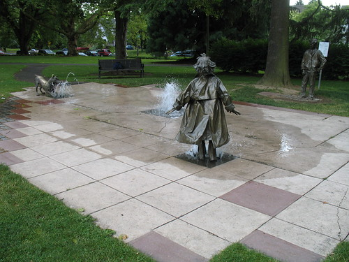 Beverly Cleary statue garden