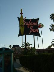 Safari Inn (dogwelder) Tags: california motel neonsign burbank zurbulon6 safariinn zurbulon gatturphy
