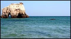 Portimao (Blanca M.) Tags: blue sea summer people beach portugal azul canon eos 350d mar playa blanca agosto verano algarve canoneos350d martinez vacaciones rocas 2007 portimao blankita blancamartinez elalgarve blantree3