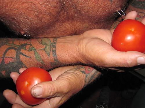 Eye Got Two Tomatoes