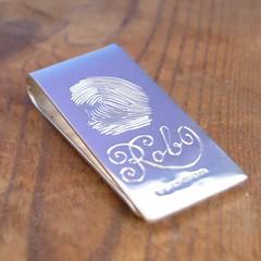 Hand engraved fingerprint and name on a sterling silver money clip (Chris Parry) Tags: uk groom name rob jewellery script bestman usher personalised billfold jeweller sterlingsilver moneyclip handengraved fingerprnt fathersdaymen